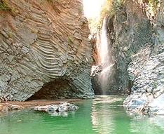достопримечательности сицилии, курорты, Национальный парк Алькантара Горгес