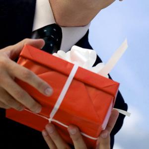 Подарок коллеге своими руками мужчине