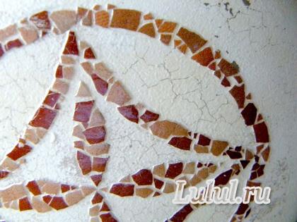 декупаж бутылки, мозаика из яичной скорлупы, декорирование бутылки