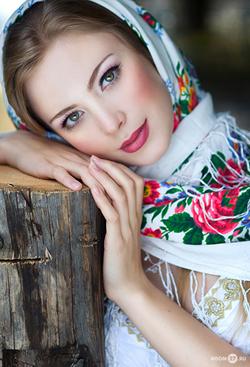 с чем носить платок цветной