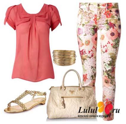джинсы с розовыми цветами