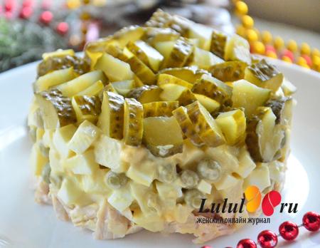 салат заправленный горчицей и майонезом фото