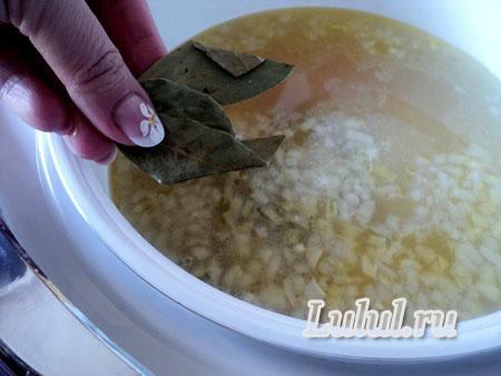 суп из ребрышек в мультиварке
