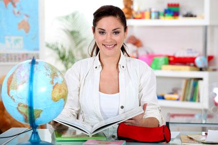 Что подарить учителю географии на День учителя, День рождения?