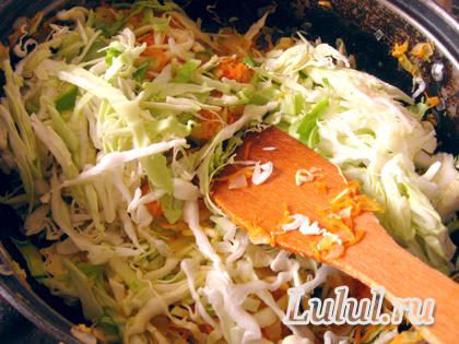 Простой рецепт тушеный капусты с фото