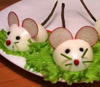 год змеи. мышки из яиц