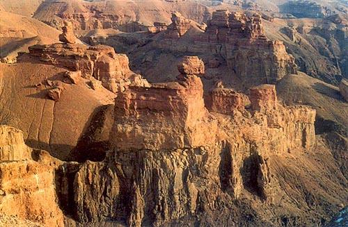 Каньоны реки Чарын
