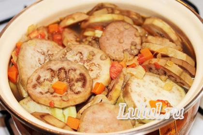 постный суп из чечевицы с баклажанами