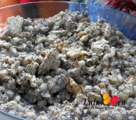 Рождественская кутья из пшеницы с халвой, маком и грецкими орехами
