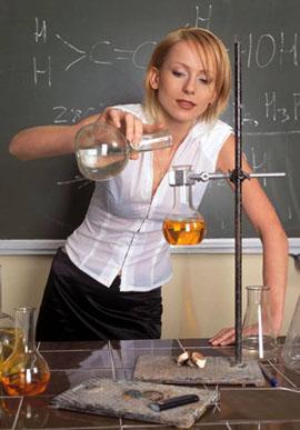 Что подарить учителю физики и химии на День учителя, День рождения?