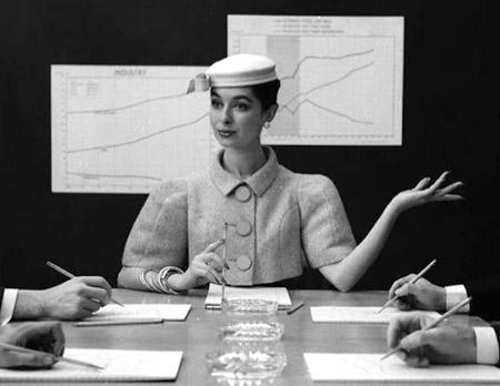 Стиль 40-х годов в одежде женщины