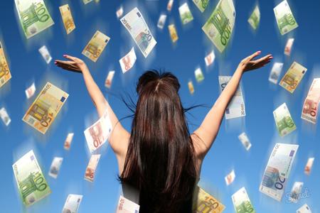 Как сделать заговор на деньги в домашних условиях?