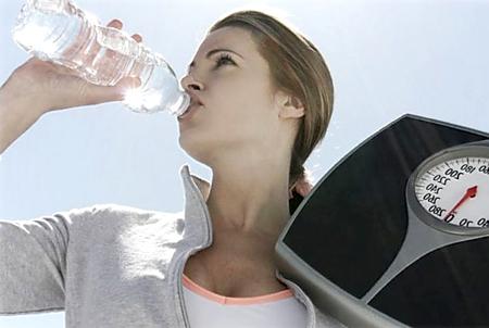 Как читать дома заговоры на воду от лишнего веса